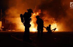 Di Duga Konsleting Listrik, 4 Lantai Gedung Kemenkumham Terbakar