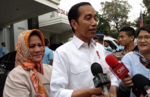 Jokowi Kaget Honor Guru Cuma Rp 300 Ribu ?