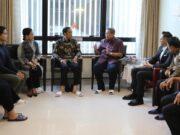 Jokowi Jenguk Ibu Ani Yudhoyono