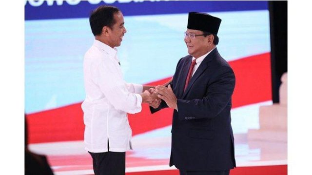 Di Debat Capres Jokowi Pakai Alat Bantu Komunikasi ?