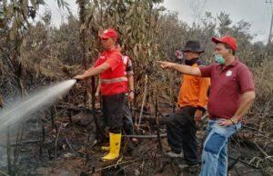 Kepala BPBD Pelalawan Riau Harus Menginap di Lokasi Kebakaran Hutan dan Lahan