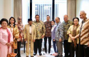 Habibie Berikan Motivasi dan Doa Kesembuhan Sa'at Jenguk Ani Yudhoyono