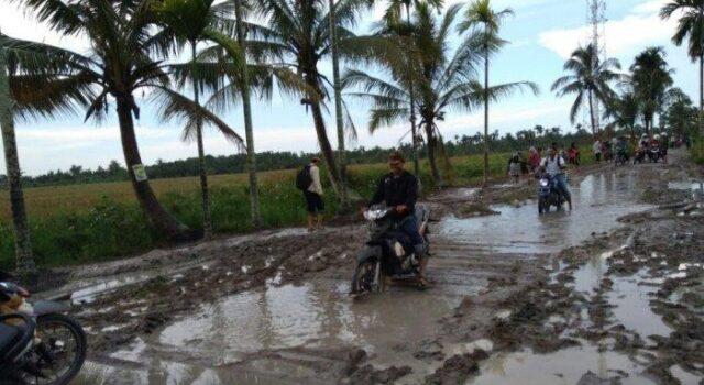 Jelang Arus Mudik Lebaran Banyak Jalan Yang Rusak, DPRD Riau Minta Dinas PU Segera Lakukan Perbaikan