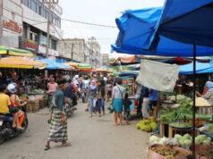 Jelang PSBB Pekanbaru, Pasar Tradisional Masih Penuh
